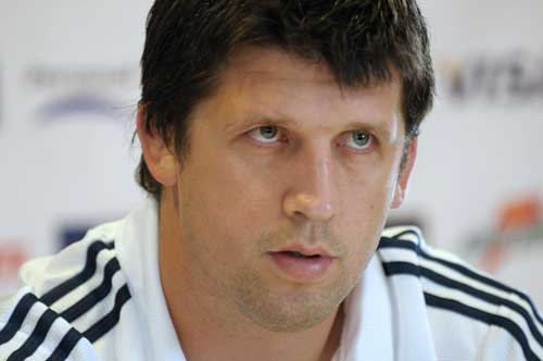 Argentinian coach Santiago Phelan