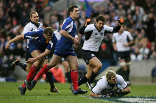 Sean Lamont scores his first try against France