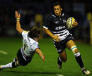 Sale Sharks' Rob Miller outpaces the cover