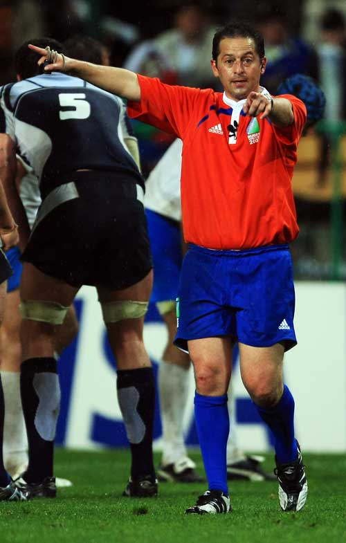 Referee Jonathan Kaplan