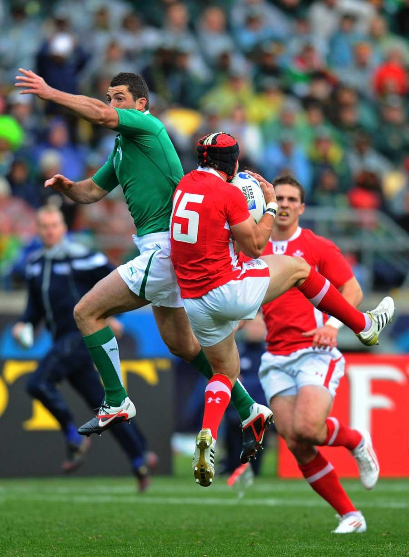 Wales fullback Leigh Halfpenny claims a high ball