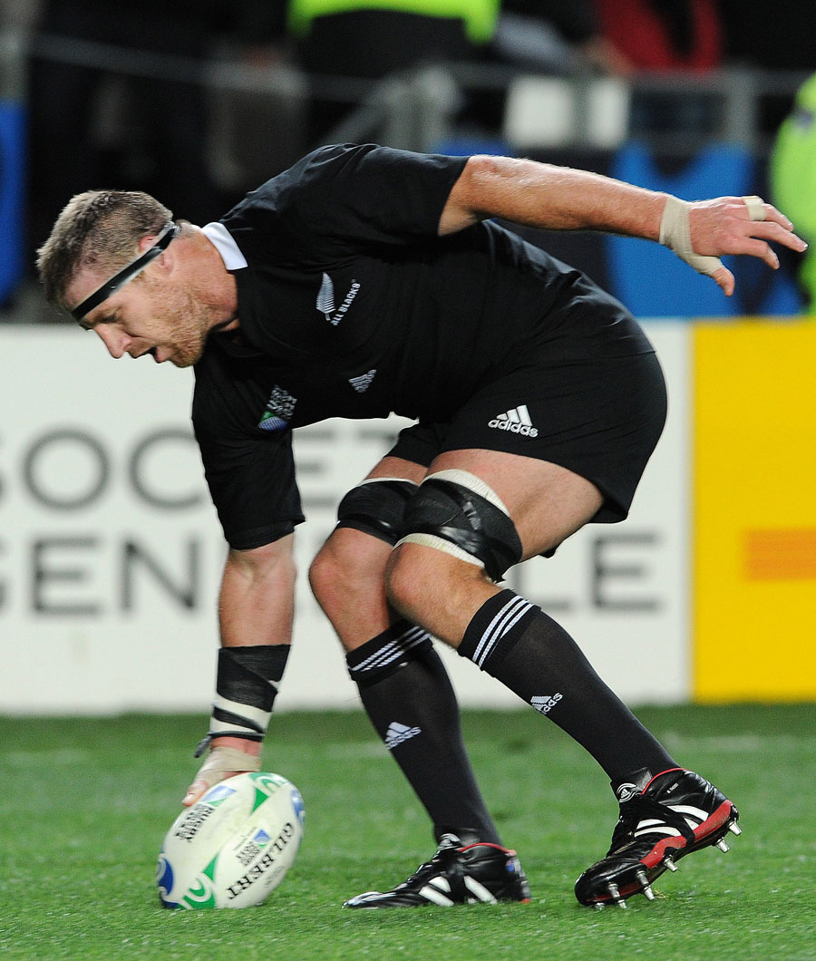 New Zealand's Brad Thorn touches down for a try