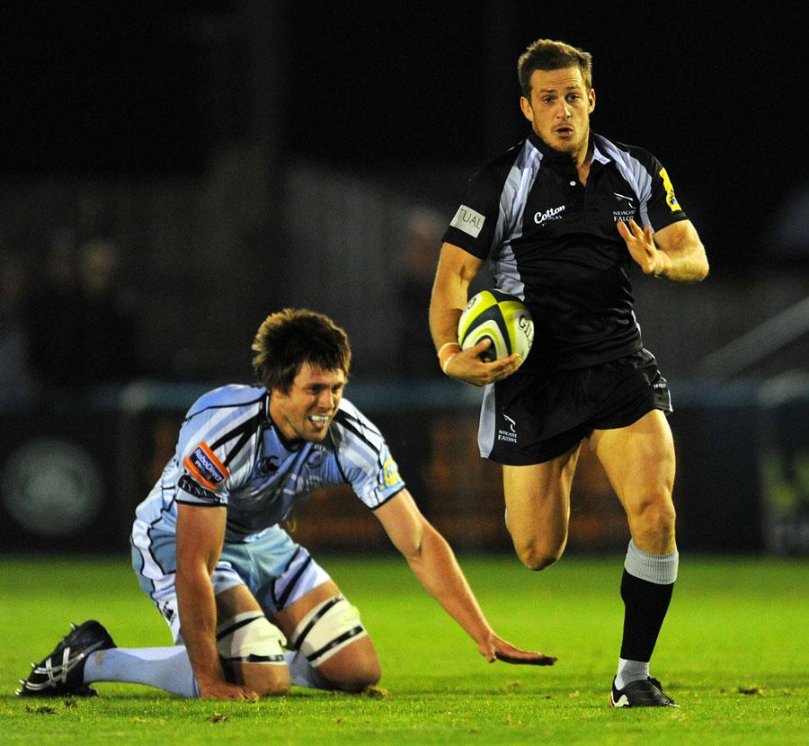 Newcastle fly-half Jimmy Gopperth breaks clear