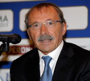 New Italy coach Jacques Brunel talks to the media, Bologna, Italy, November 3, 2011