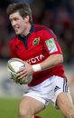 Munster's Ronan O'Gara looks for an opening