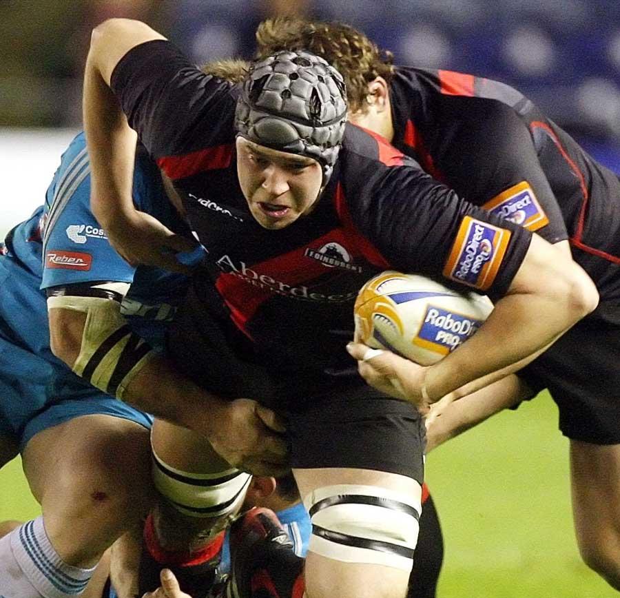 Edinburgh's Grant Gilchrist tries to break away