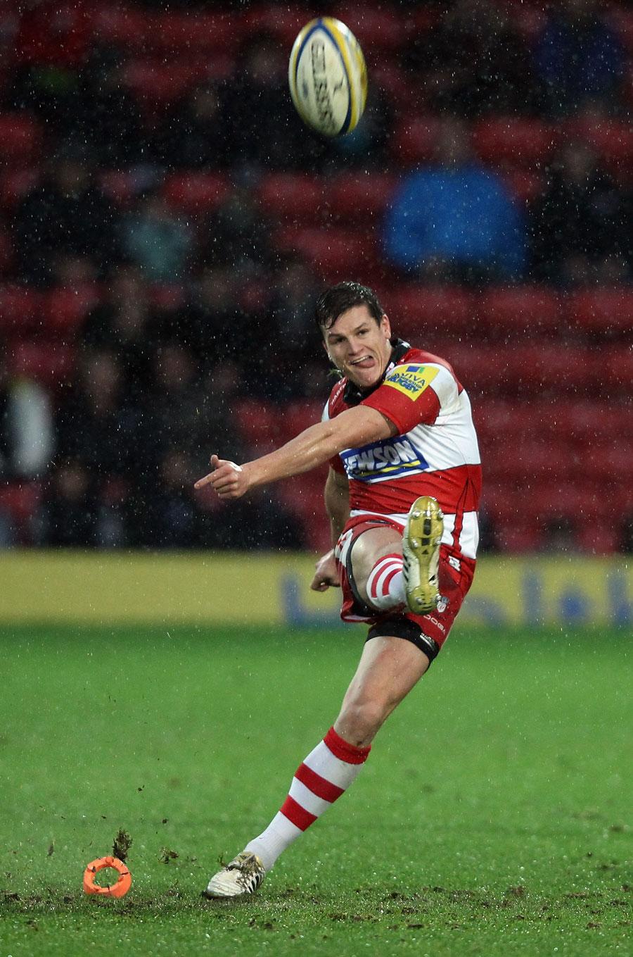 Gloucester's Freddie Burns slots a kick
