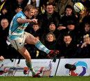 Worcester's Joe Carlisle slots a kick