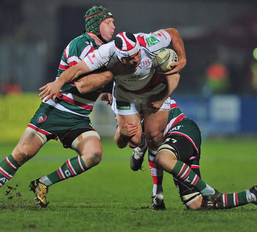 Ulster's Rory Best forces an opening