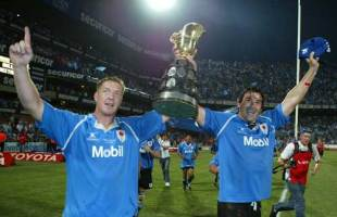 Bakkies Botha and Victor Matfield parade the 2004 Currie Cup after the Blue Bulls defeated Free State at Loftus Versfeld, October 23 2004