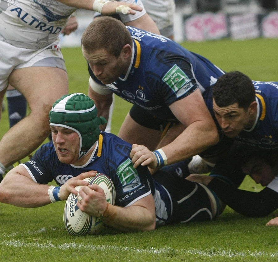 Leinster's Sean O'Brien searches for the try line against Montpellier