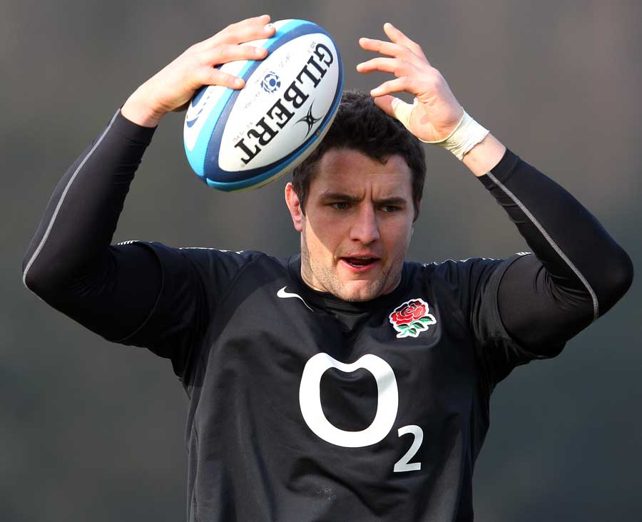 Phil Dowson assesses his options during an England training session