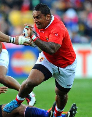 Tonga's Halani Aulika spots a gap, France v Tonga, Rugby World Cup, Wellington Regional Stadium, Wellington, New Zealand, October 1, 2011