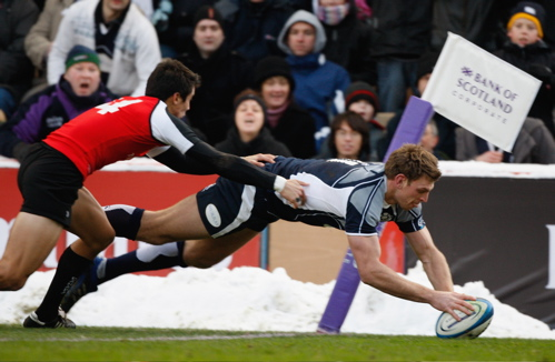 Nikki Walker scores a try for Scotland against Canada