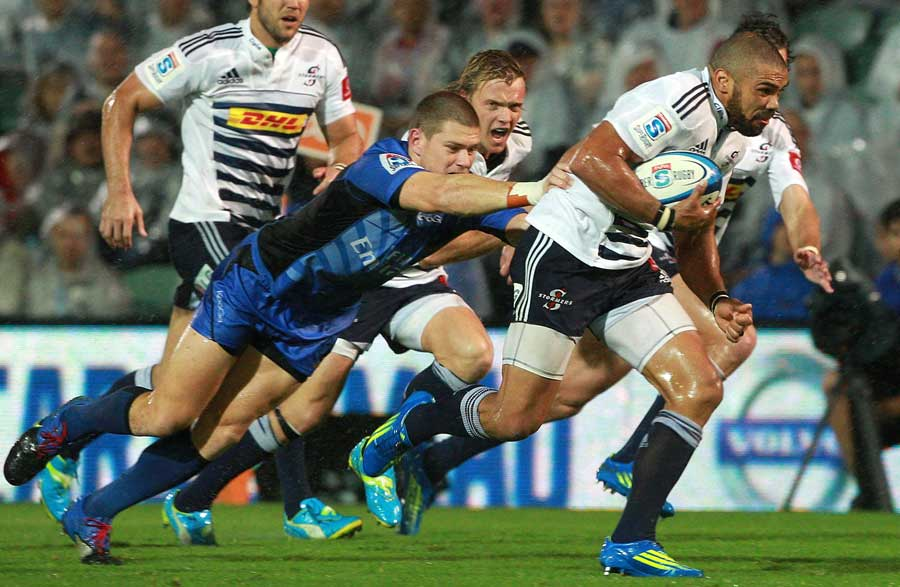 Stormers flyer Bryan Habana evades his marker and prepares to sprint away