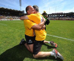 Marc Dal Maso and Patrick Milhet celebrate Stade Montois' promotion