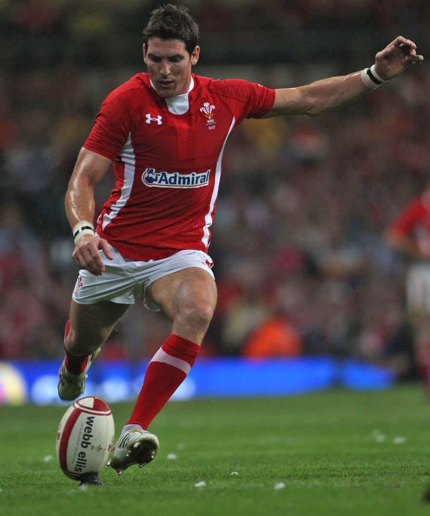 Wales' James Hook takes aim