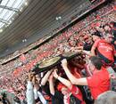 Toulouse fans get their hands on the Bouclier de Brennus