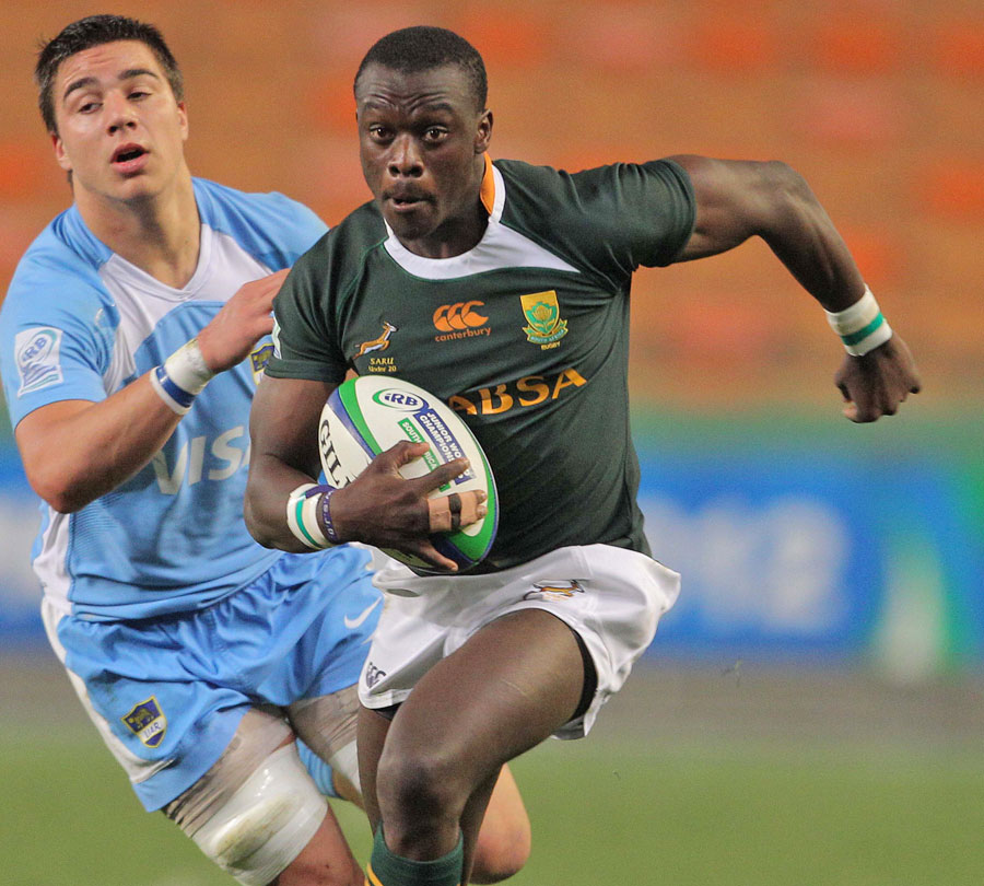 South Africa's Raymond Rhule exploits some space