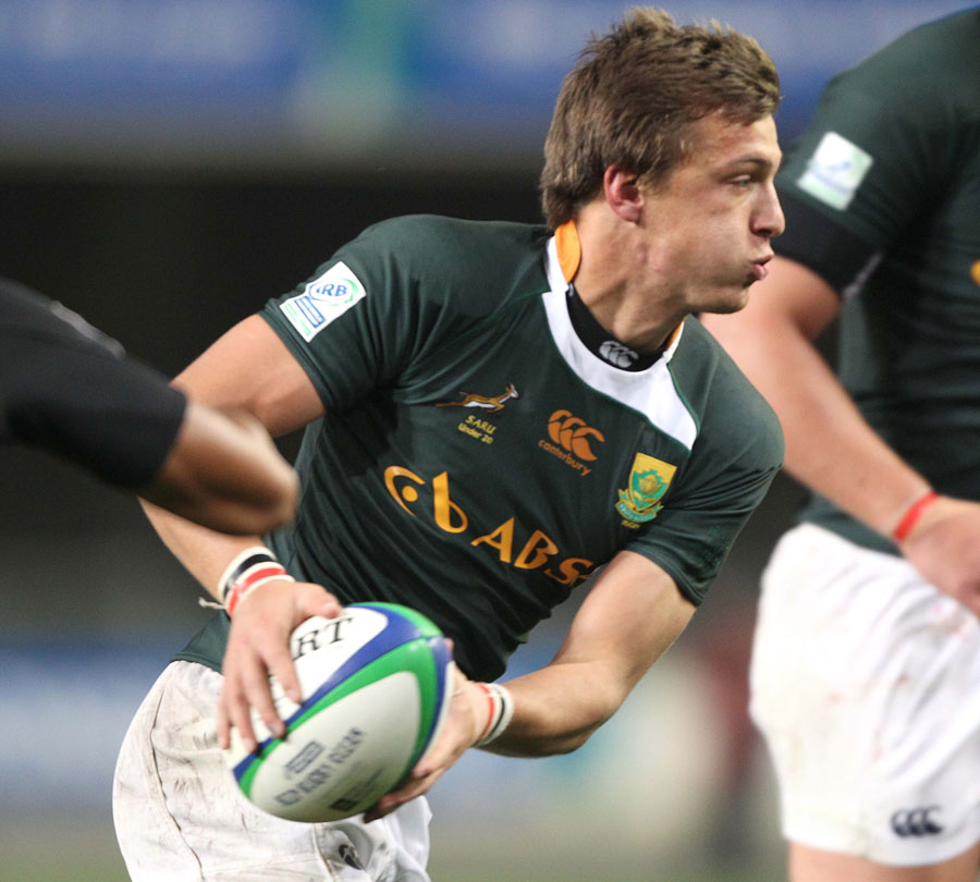 South Africa's Handre Pollard looks for support