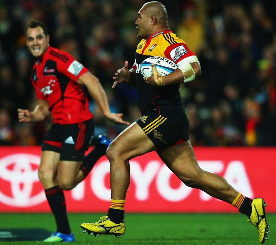 The Chiefs' Sona Taumalolo sprints away