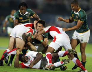 South Africa's Robert Ebersohn is tackled, England v South Africa, IRB Sevens, Dubai, November 29, 2008