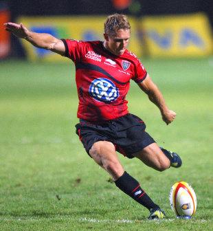 Toulon's Jonny Wilkinson slots a kick, Perpignan v Toulon, Top 14, Stade Aime Giral, Perpignan, France, August 18, 2012