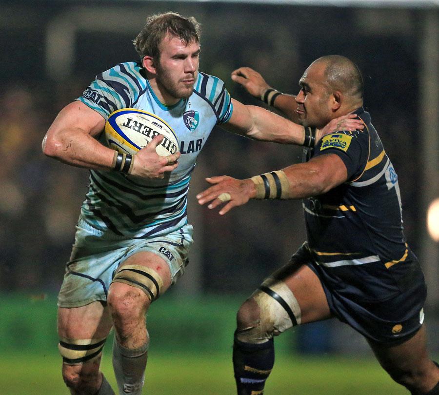 Leicester's Tom Croft evades Worcester's Aleki Lutui