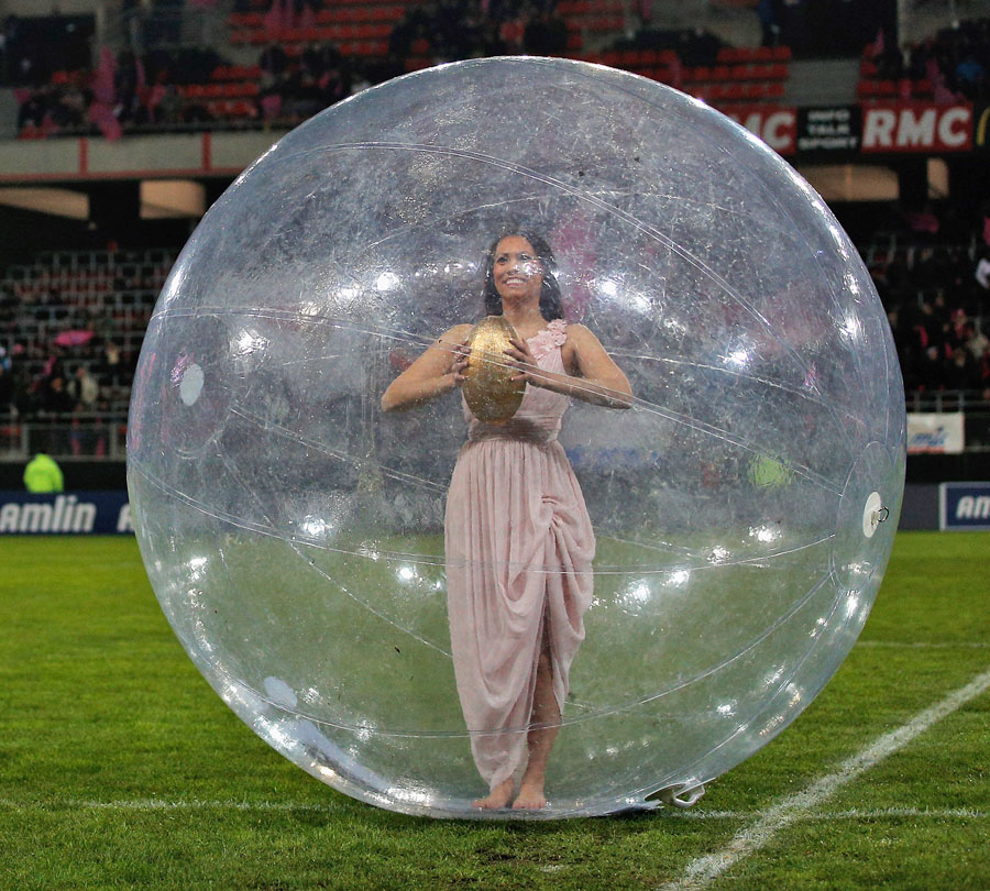 Stade Francais deliver their usual eye-catching pre-match entertainment