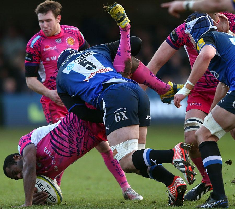 Bath's Dave Attwood tackles Exeter's Watisoni Votu