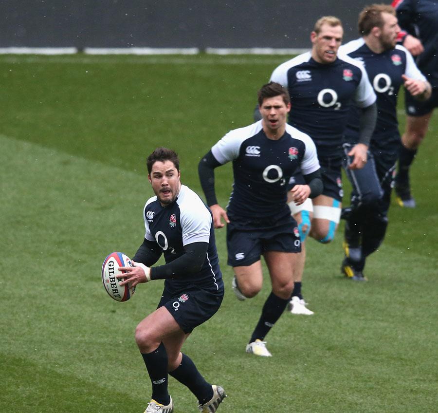 England's Brad Barritt leads an attack