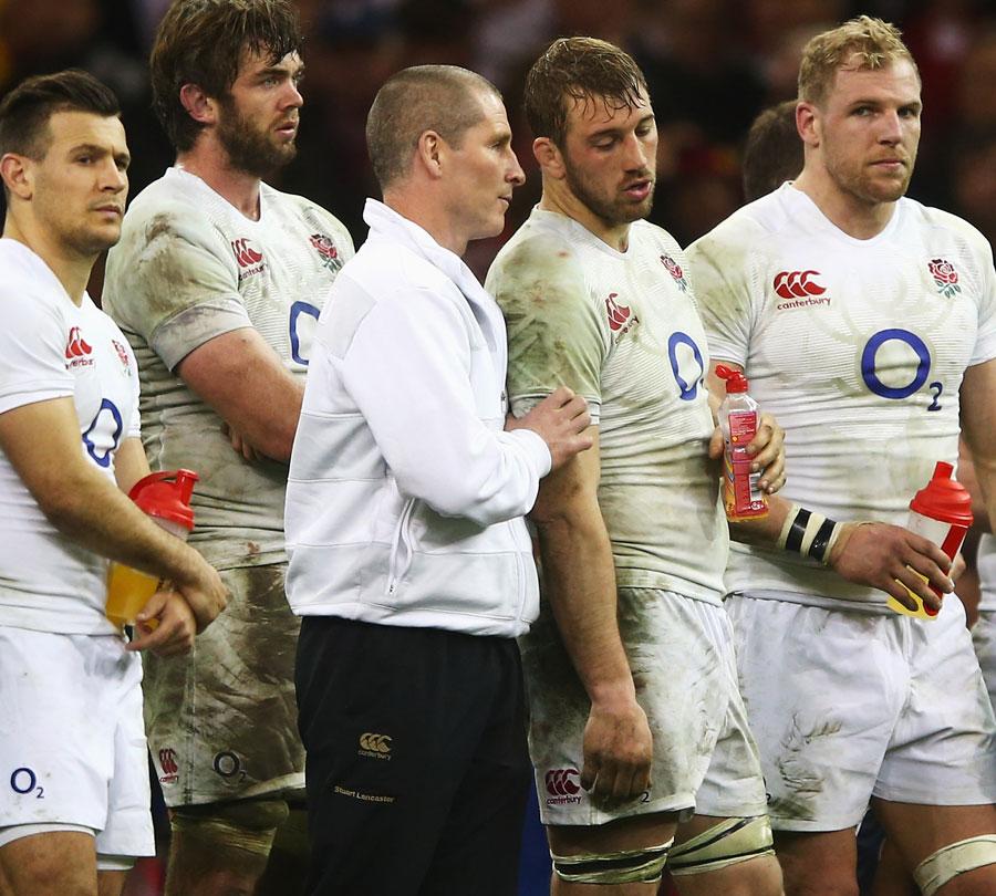England coach Stuart Lancaster consoles captain Chris Robshaw