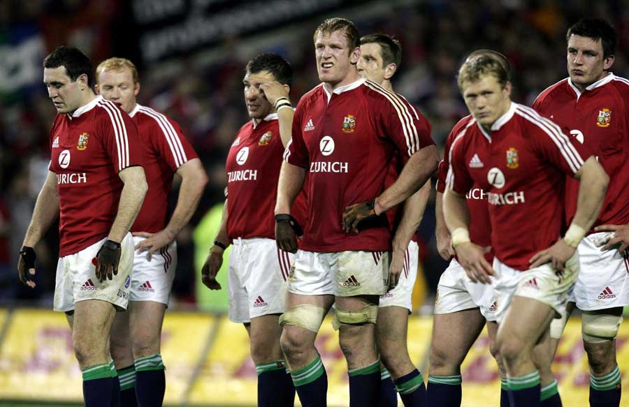 The Lions watch on as the Kiwis convert another try