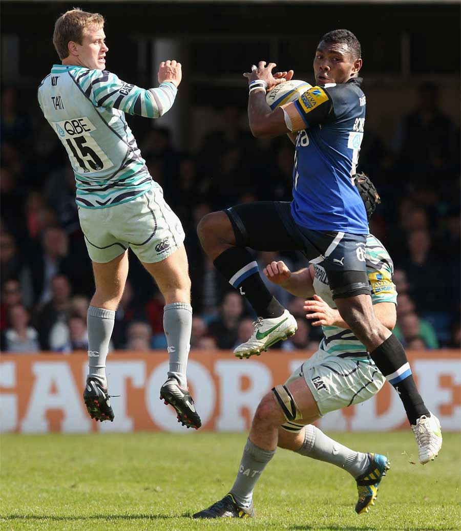 Bath's Semesa Rokoduguni plucks the ball ahead of Mathew Tait