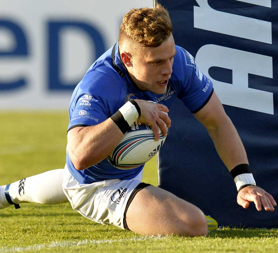 Leinster's Ian Madigan crashes over for their first try