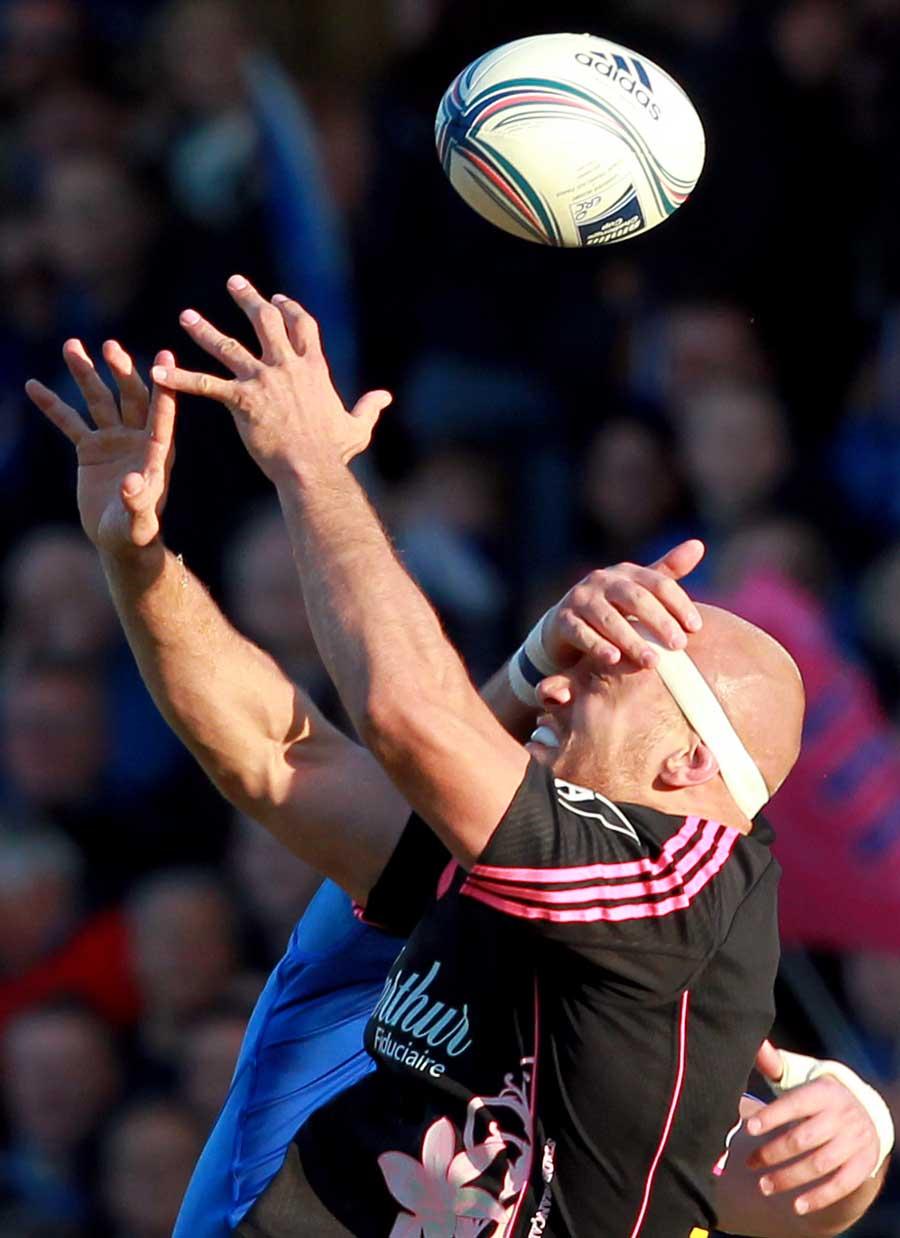 Stade's Scott LaValla struggles to catch the ball