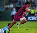 England's Billy Vunipola powers through the Argentina defence