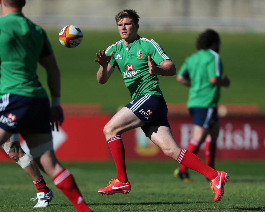 Owen Farrell in training