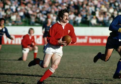 Gerald Davies cranks up the pace