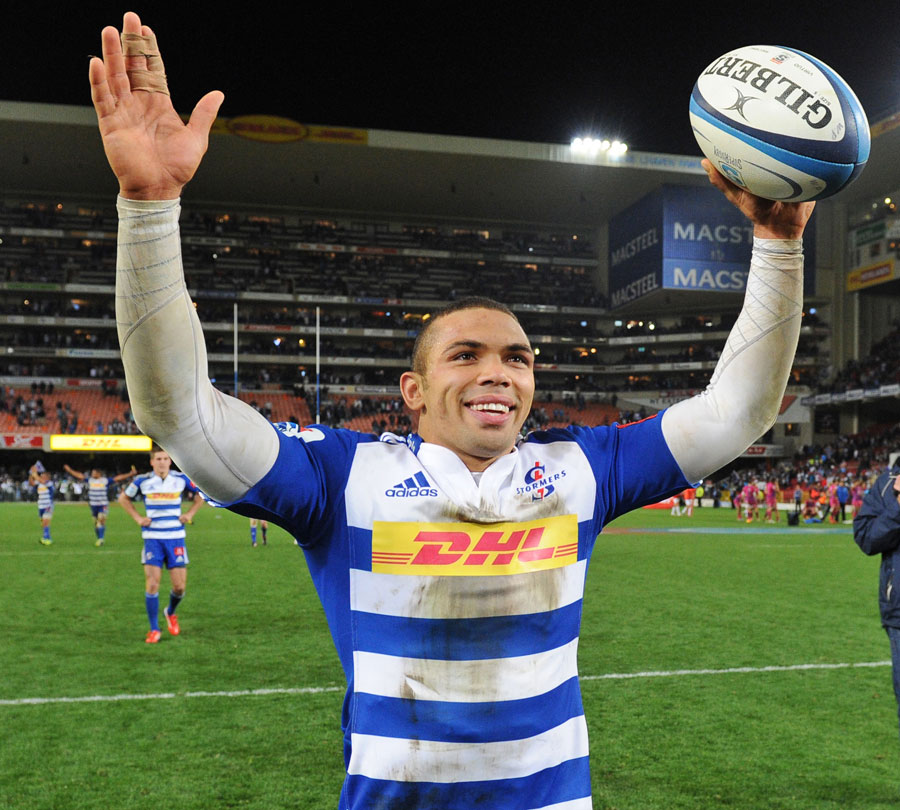 Departing Stormers winger Bryan Habana waves goodbye to the Newlands faithful