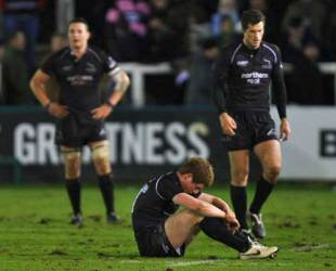 Newcastle Falcons' Rory Clegg shows his dissapointment in front of team mates Phil Dowson and Tim Visser following their Guinness Premiership draw against Worcester Warriors at Kingston Park in Newcastle, England on December 27, 2008.