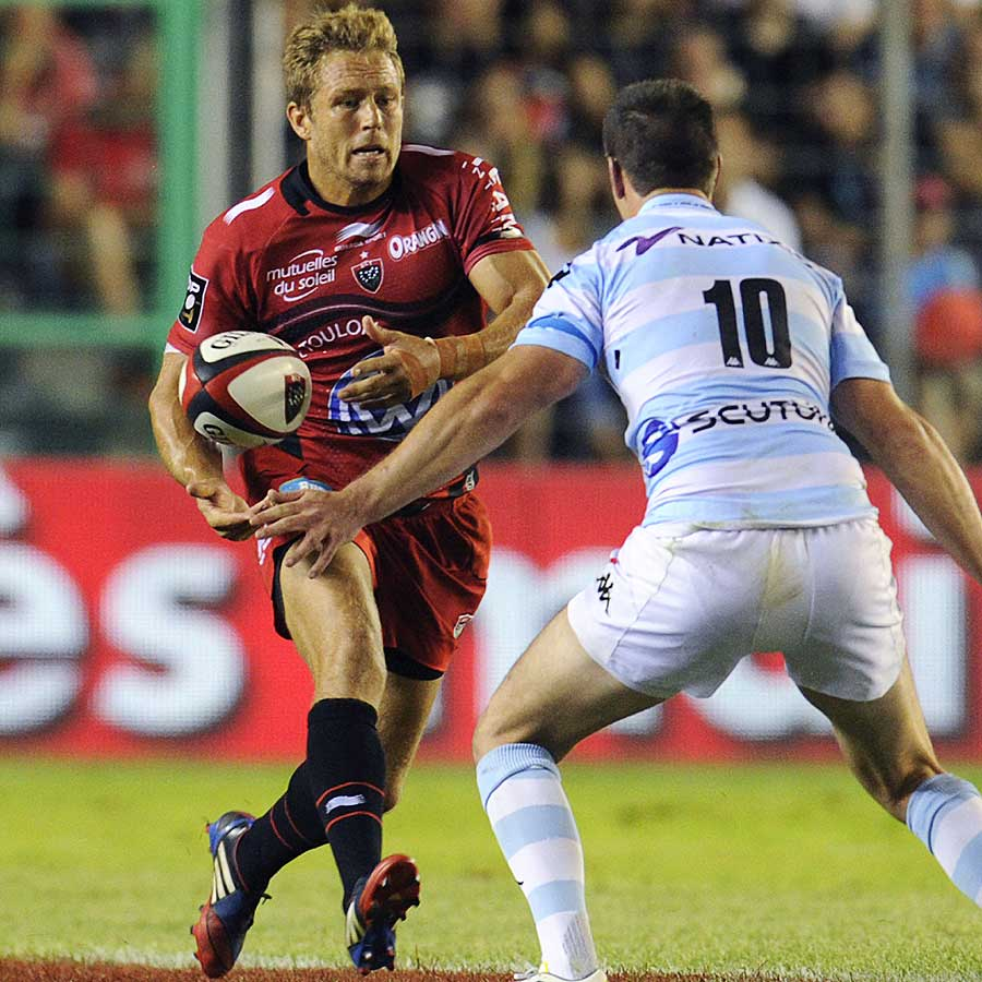 Toulon fly-half Jonny Wilkinson meets his opposite number, Jonathan Sexton
