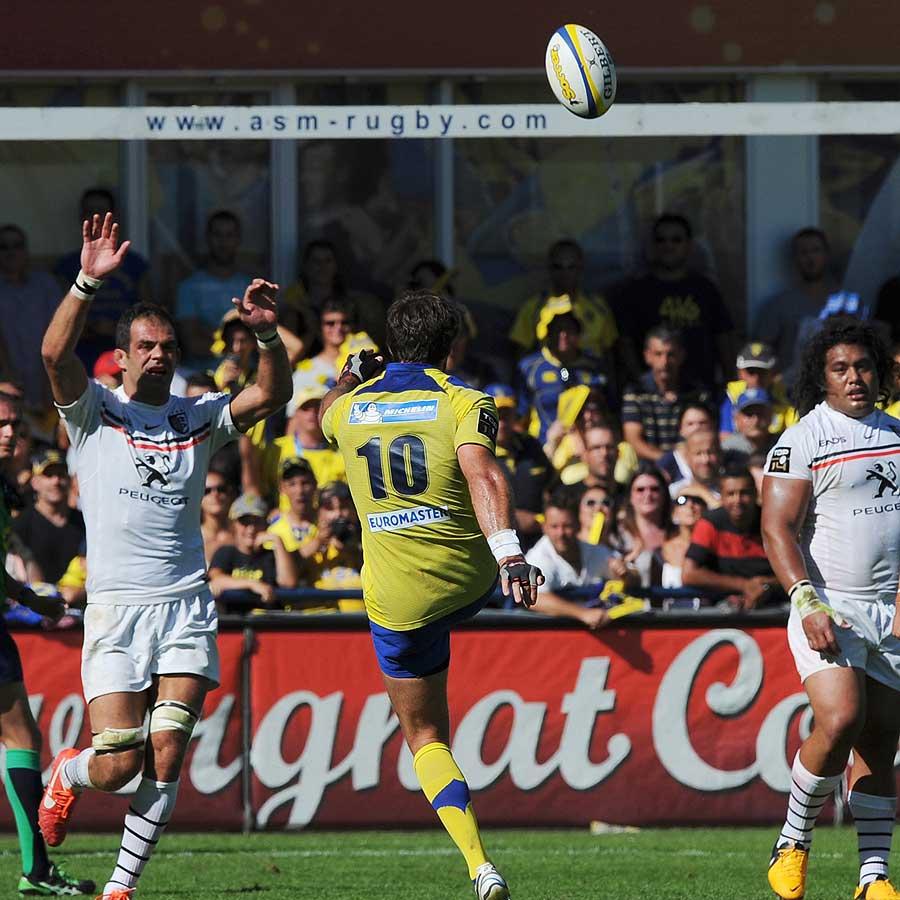 Clermont's Australian fly-half Brock James (c) slots over a drop-goal