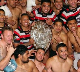 Counties Manukau celebrate with the Ranfurly Shield, Hawke's Bay v Counties Manukau, ITM Cup, Ranfurly Shield, Trafalgar Park, Nelson, September 7