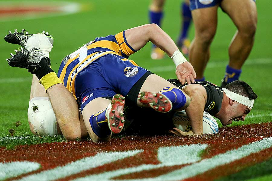 Wellington's Jeffery Toomaga-Allen of Wellington scores a try