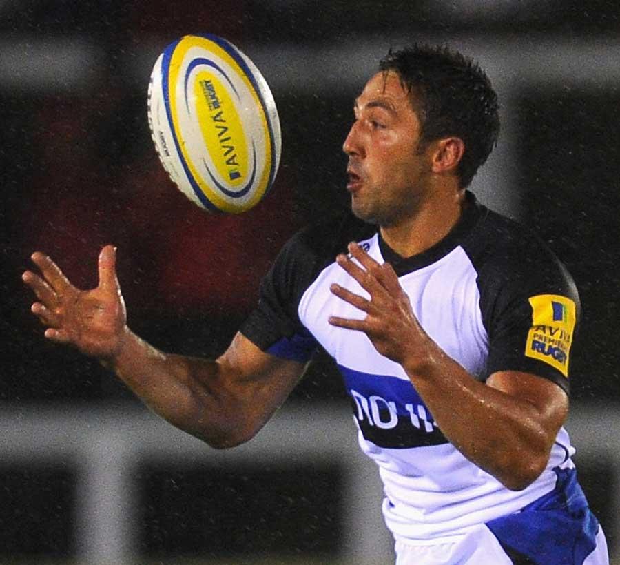 Bath's Gavin Henson carries forward