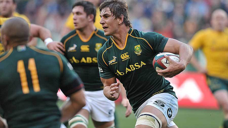 South Africa's Eben Etzebeth runs at the Wallabies, South Africa v Australia, Rugby Championship, Freedom Cup, Newlands, Cape Town, September 28, 2013