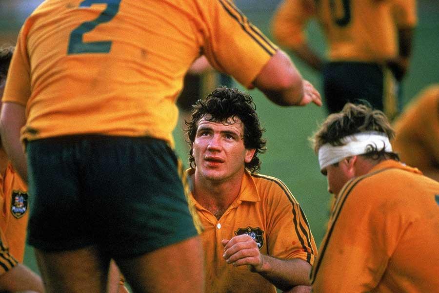 Australia's Chris Roche addresses teammates