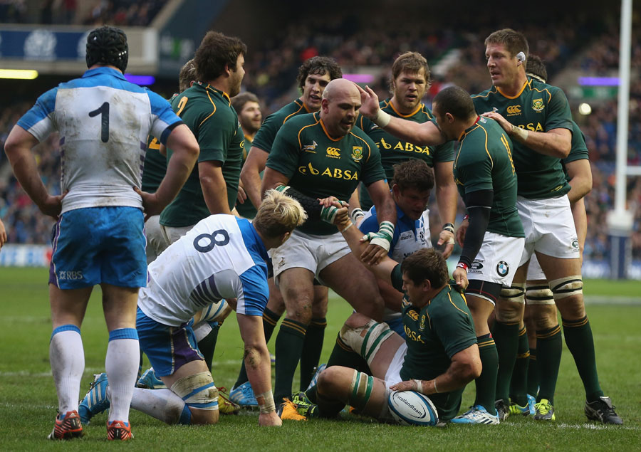 Willem Alberts is congratulated after scoring the first try