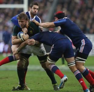 France attempt to halt Duane Vermeulen, France v South Africa, Stade de France, Paris, November 23, 2013